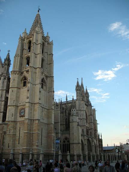 catedraldeleon1_430.jpg