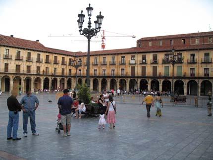 leon_plazamayor2_430.jpg