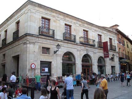 leon_plazasanmartin8_430.jpg
