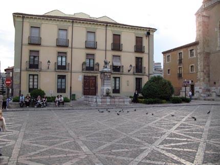sanisidoro_leon_plaza6_430.jpg
