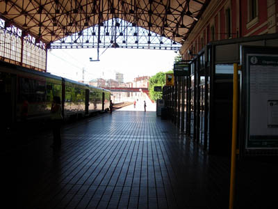 estacion_de_trenes_de_leoninterior.jpg